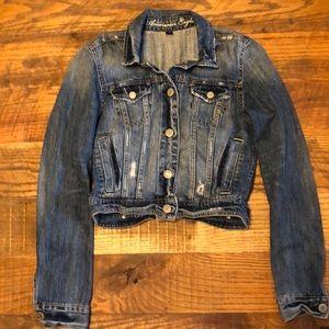 AMERICAN EAGLE med wash distress crop jean jacket